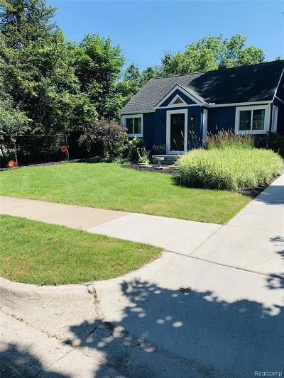 Ann Arbor Single Family Home For Sale: 2114 Camelot Rd