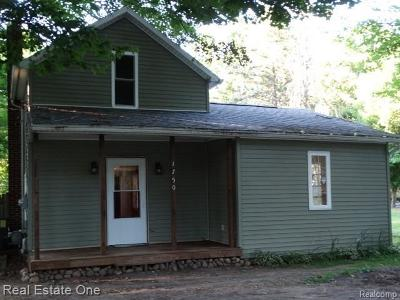 Hillsdale County Single Family Home For Sale: 1750 Plain St