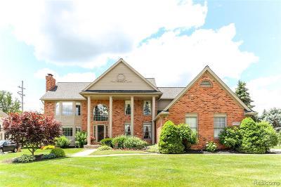 Plymouth Single Family Home For Sale: 12217 Deer Creek Run