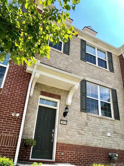 Novi Condo/Townhouse For Sale: 28000 Hopkins Dr
