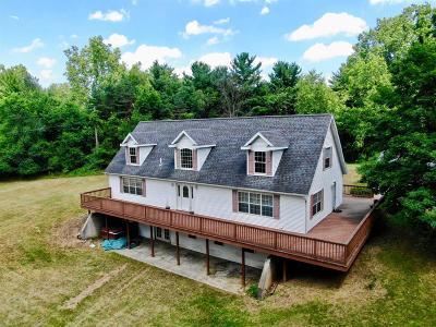 Jackson County Single Family Home For Sale: 2451 Maute Rd