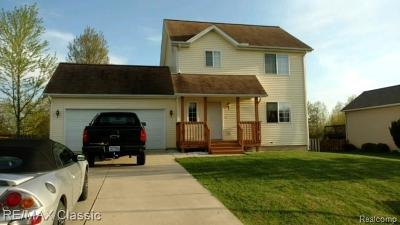 Parma Single Family Home For Sale: 8257 Lockerbie Rd