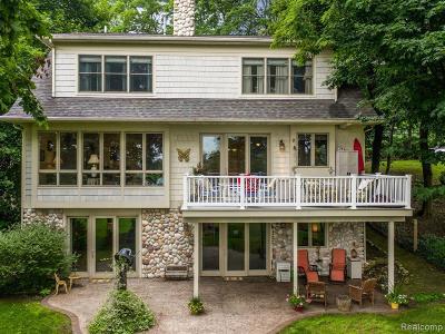 Lake Orion Single Family Home For Sale: 745 Joslyn Rd