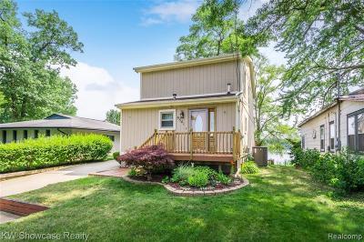 Single Family Home For Sale: 9541 Cedar Island Rd