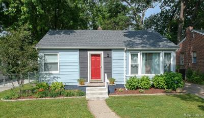 Oak Park Single Family Home For Sale: 23451 Seneca St