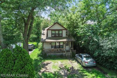 Single Family Home For Sale: 3115 Cass Lake Ave