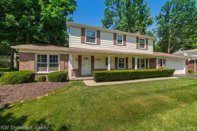 West Bloomfield Single Family Home For Sale: 5536 Normanhurst