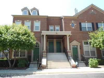 Farmington Hill Condo/Townhouse For Sale: 29379 Glen Oaks Blvd E