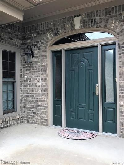 Canton Single Family Home For Sale: 328 Country Club Crt
