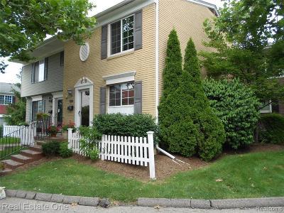 Farmington Hill Condo/Townhouse For Sale: 32314 W 12 Mile Rd