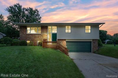 Jackson MI Single Family Home For Sale: $159,900