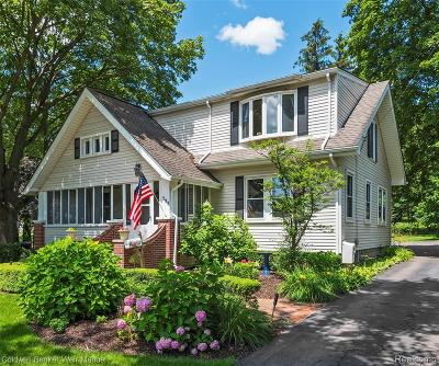 Northville Single Family Home For Sale: 522 Fairbrook St
