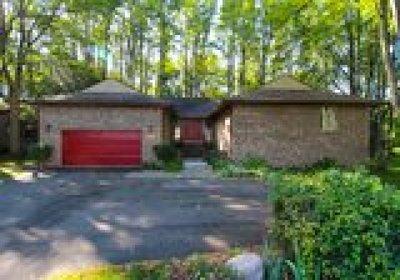 Farmington Hill Single Family Home For Sale: 34437 Beechwood St