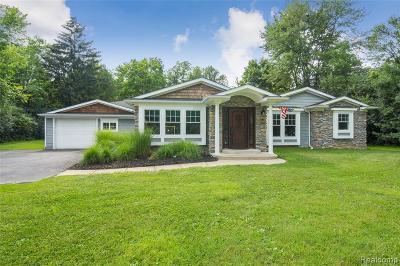 Farmington Hill Single Family Home For Sale: 23545 Canfield Ave