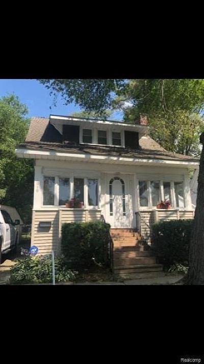 Port Huron Add Single Family Home For Sale: 1010 Poplar St
