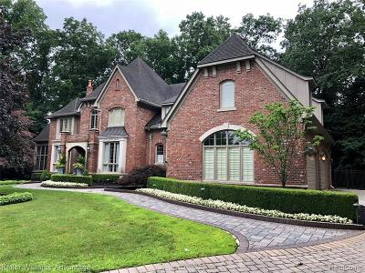 Northville Single Family Home For Sale: 48075 Bellagio Crt