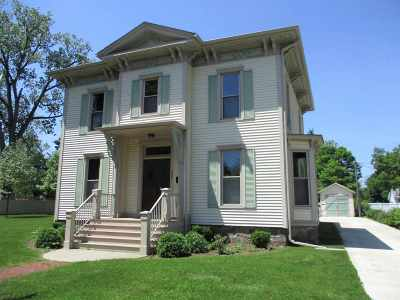Single Family Home For Sale: 209 S Pearl St.