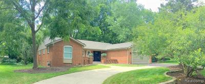 Farmington Hill Single Family Home For Sale: 30015 High Valley Rd