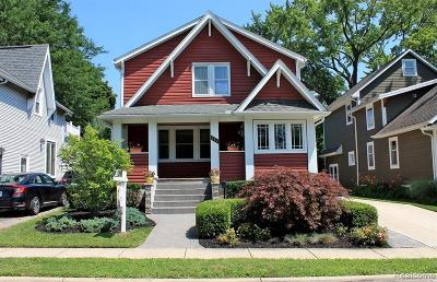 Plymouth Single Family Home For Sale: 364 Sunset St