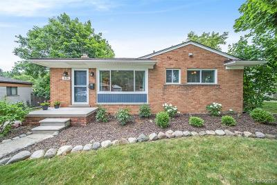 Milford Single Family Home For Sale: 826 Squire Ln