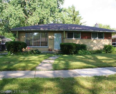 Oak Park Single Family Home For Sale: 21930 Gardner St