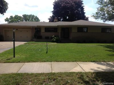 Southfield Single Family Home For Sale: 18215 New Hampshire Dr