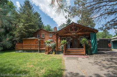 Milford Single Family Home For Sale: 2737 Wixom Rd