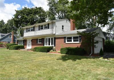 Farmington Hill Single Family Home For Sale: 26414 Kiltartan St