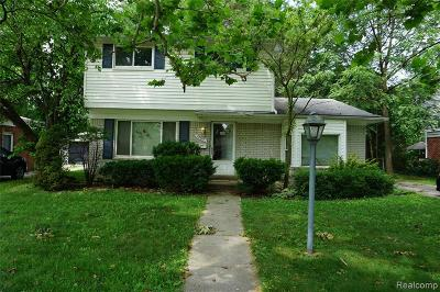 Farmington Hill Single Family Home For Sale: 22907 Glenmoor Hts
