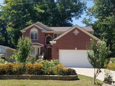 Farmington Hill Single Family Home For Sale: 21145 Whitlock St