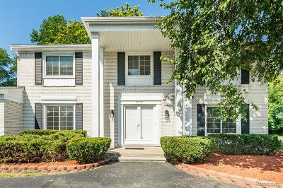 Farmington Hill Single Family Home For Sale: 30645 Woodstream Dr