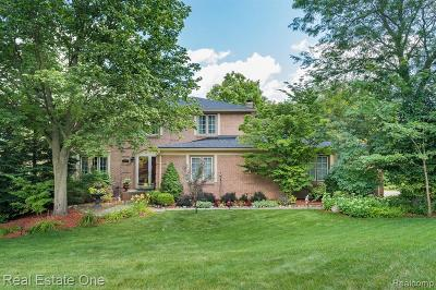 Plymouth Single Family Home For Sale: 12728 Haverhill Dr