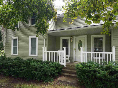 Hillsdale County Single Family Home For Sale: 1940 E Sterling Rd