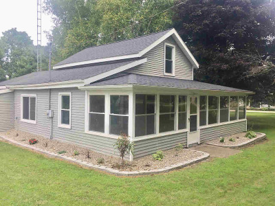 Hillsdale County Single Family Home Contingent - Financing: 220 Murphy St