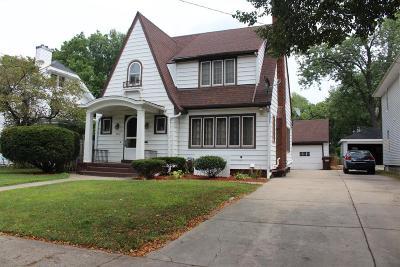 Jackson County Single Family Home For Sale: 107 N Bowen
