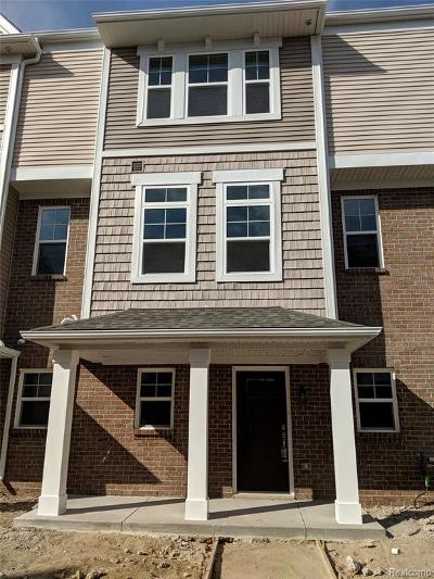 Wixom Condo/Townhouse For Sale: 3293 Chambers West