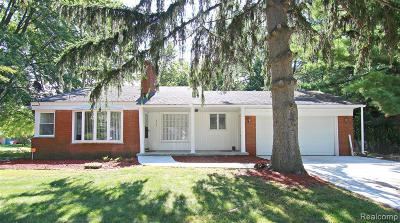 Southfield Single Family Home For Sale: 16155 Fairview Crs