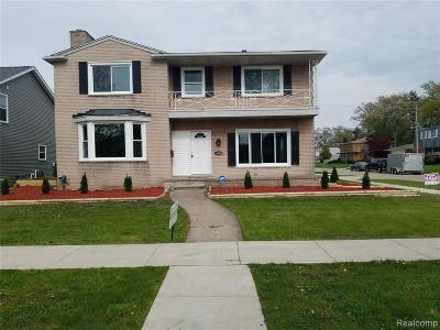 Oak Park Single Family Home For Sale: 24600 Manistee St
