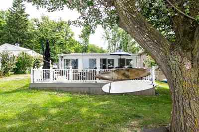 Single Family Home For Sale: 10938 Devils Lake Hwy