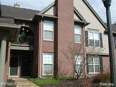 Novi Condo/Townhouse For Sale: 28296 Carlton Way Dr