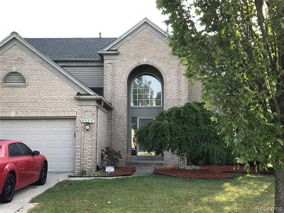 Canton Single Family Home For Sale: 4277 Timberline Dr