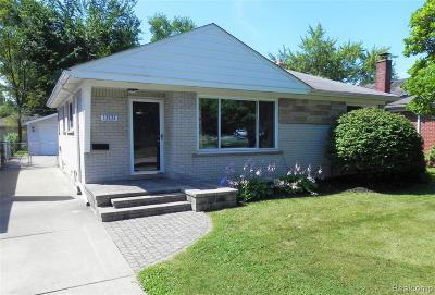 Oak Park Single Family Home For Sale: 13131 Dartmouth St