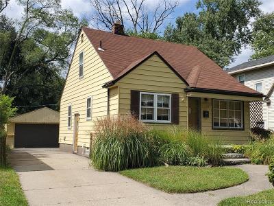 Oak Park Single Family Home For Sale: 23271 Manistee St