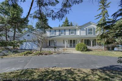 West Bloomfield Single Family Home For Sale: 5076 Watergate Rd