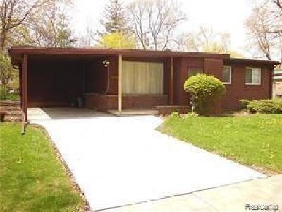 Oak Park Single Family Home For Sale: 24021 Church St