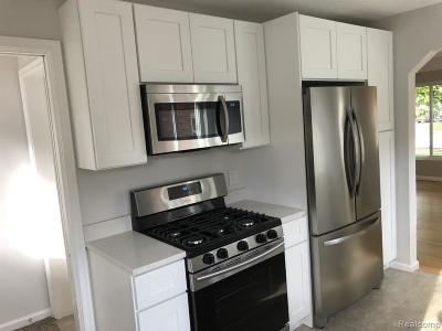 Oak Park Single Family Home For Sale: 24731 Kenosha St