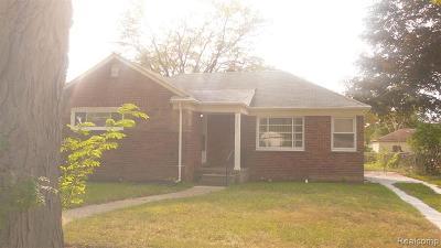 Oak Park Single Family Home For Sale: 24671 Cloverlawn St