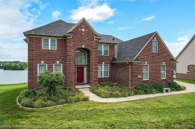 Single Family Home For Sale: 49355 Peninsular Dr