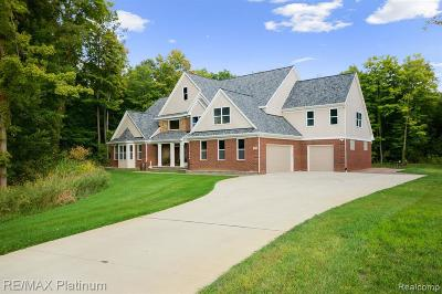 South Lyon Single Family Home For Sale: 51979 Marion Hollow Rd