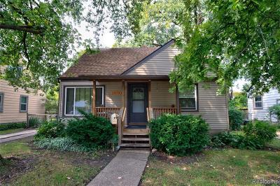 Oak Park Single Family Home For Sale: 23111 Rosewood St